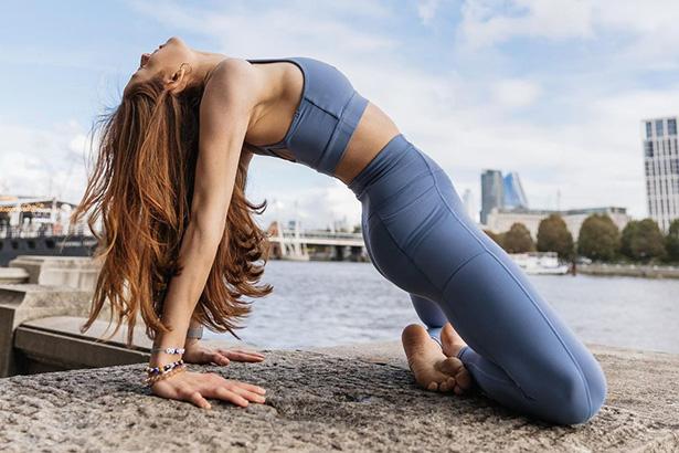 8 tư thế yoga giảm cân hiệu quả giúp bạn tự tin đón tết